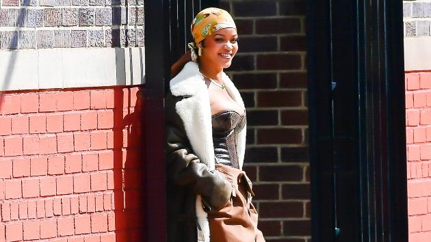 Rihanna teases Fenty perfume, expands Fenty brand