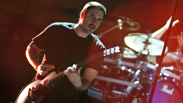 Breaking Benjamin announces tour dates with Papa Roach