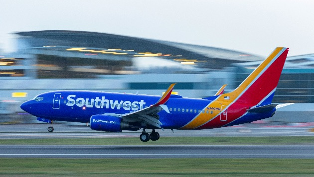 Southwest pilots, flight attendants say they're exhausted; pilots ready to picket