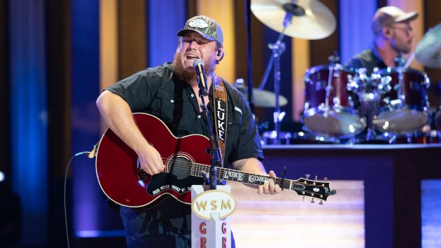 Luke Combs had a personal connection to Loretta Lynn's Hometown Rising concert