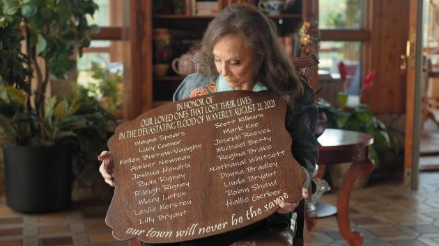 Loretta Lynn's Hometown Rising concert raises nearly $1 million