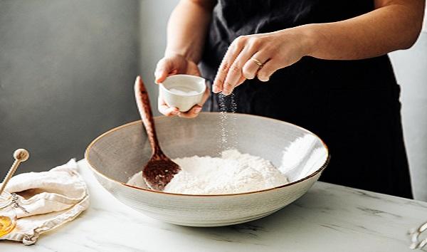 FDA recommends restaurants, food manufacturers cut back on use of salt