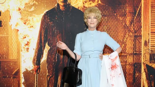 Jamie Lee Curtis salutes her mom at 'Halloween Kills' premiere