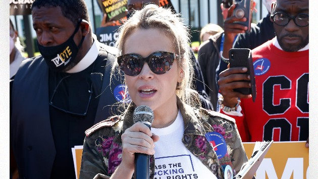 Alyssa Milano arrested at White House voting rights protest