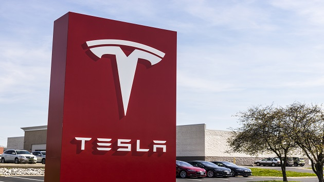 Customers can soon rent a Tesla at Hertz after company orders 100,000 electric vehicles