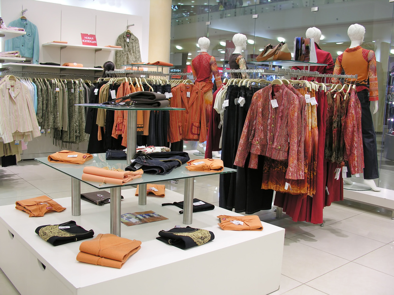 Finding clothes racks can help you save money media for Retail store setup ideas