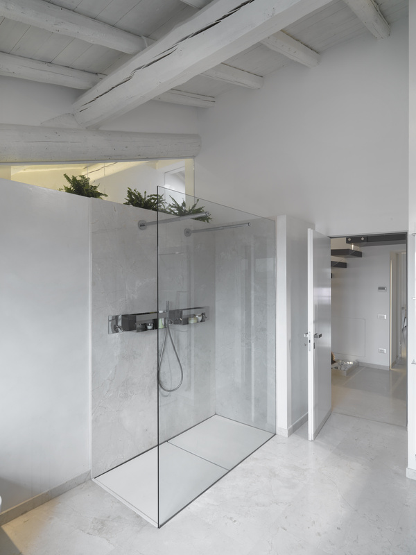 Michigan sliding shower doors