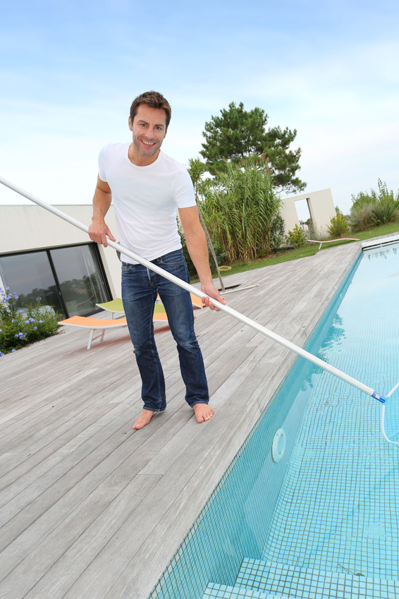 Pool cleaning service prices