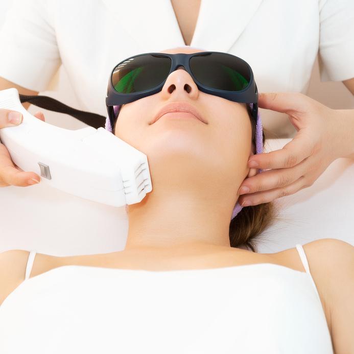 Ultrasonic skin scrubber