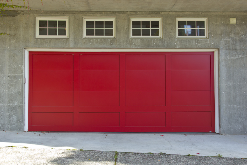 Three quick and easy garage door maintenance tips for for Garage door repair st louis mo