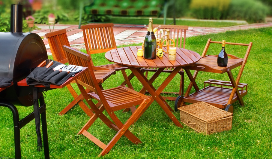 outdoor lawn furniture