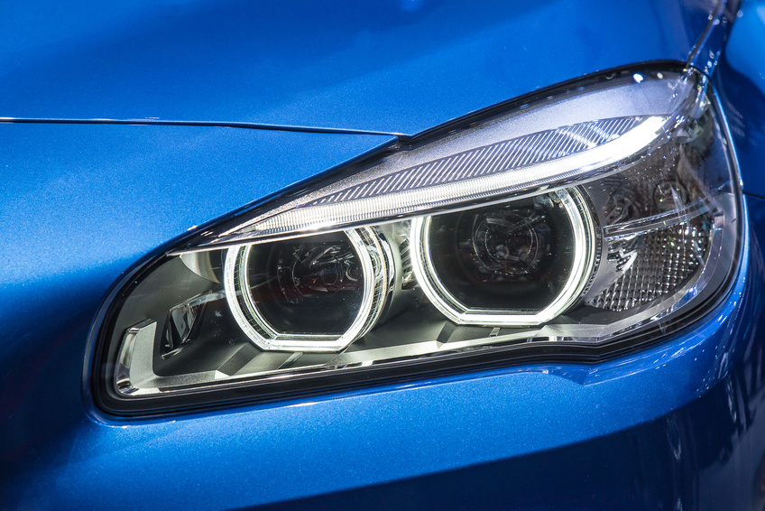 Headlight lens restoration