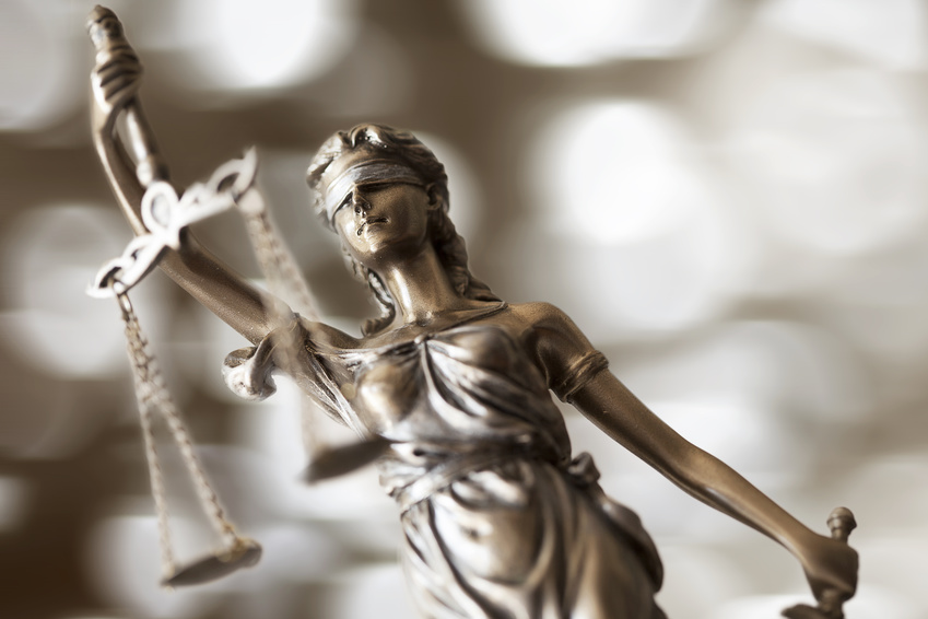 3 Things to Consider When Choosing the Right Criminal Defense Attorney