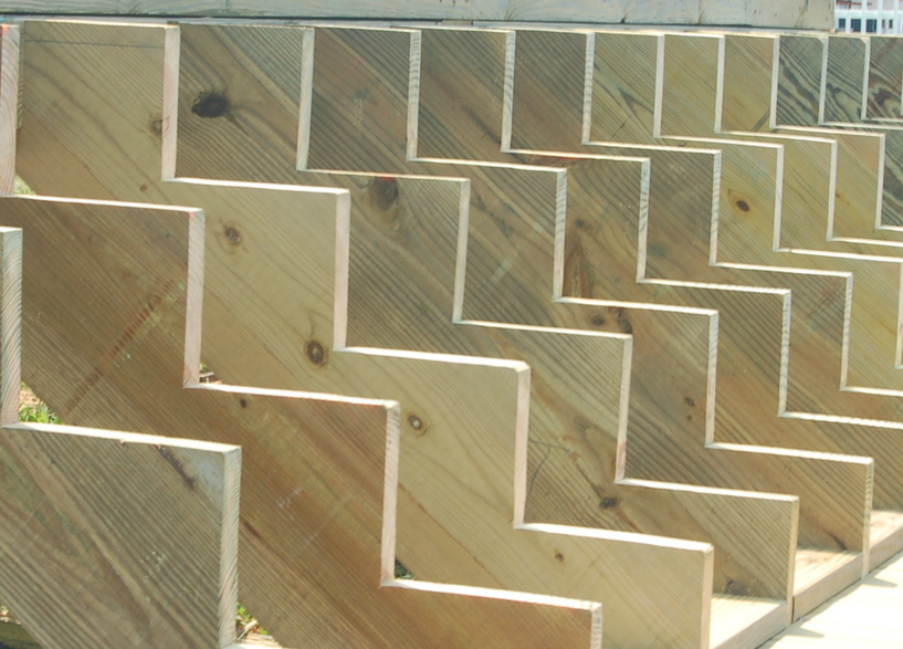 Wooden deck diy projects for home for Cedar decks pros and cons