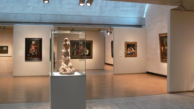 Art Galleries & Exhibits