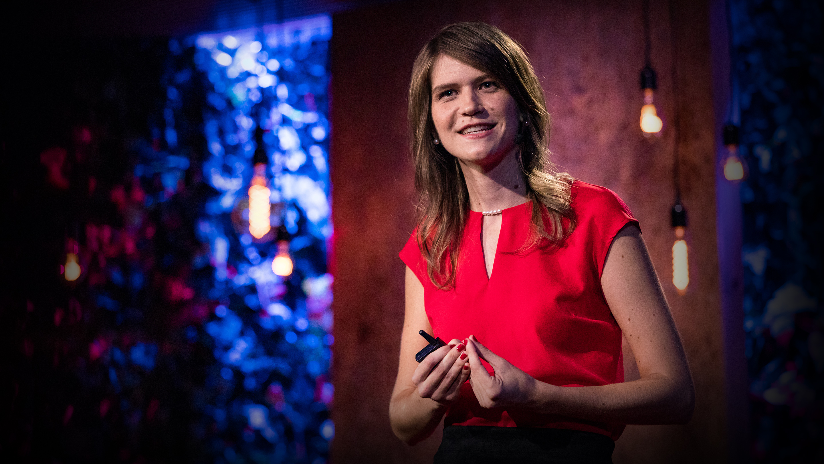 Lera Boroditsky: How language shapes the way we think | TED Talk
