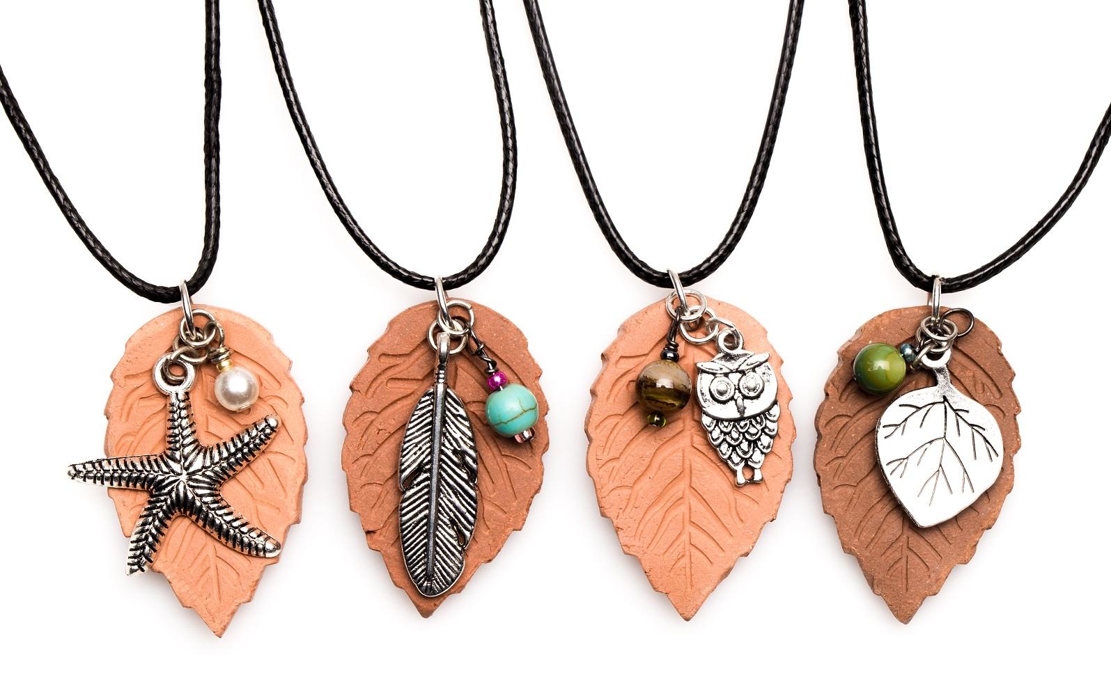 Terracotta Neck Pendant Diffuser ~ Terracotta pendant essential oil diffuser necklace bellechic