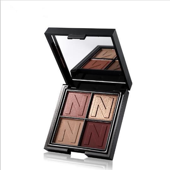4 Color Matte Glitter Eyeshadow Palette 8561286