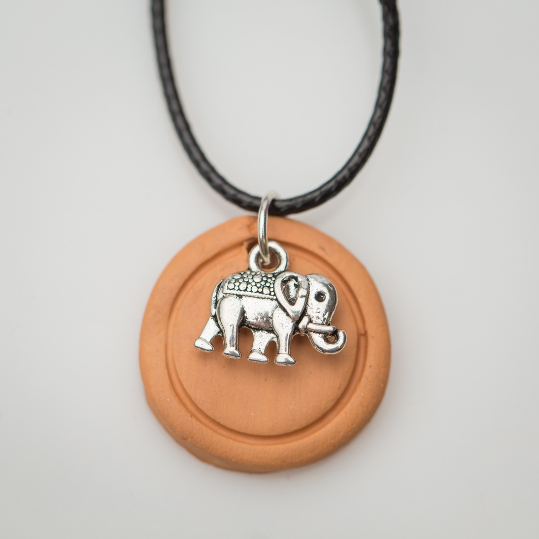 Terracotta Neck Pendant Diffuser ~ Zen terracotta essential oil diffuser necklace bellechic
