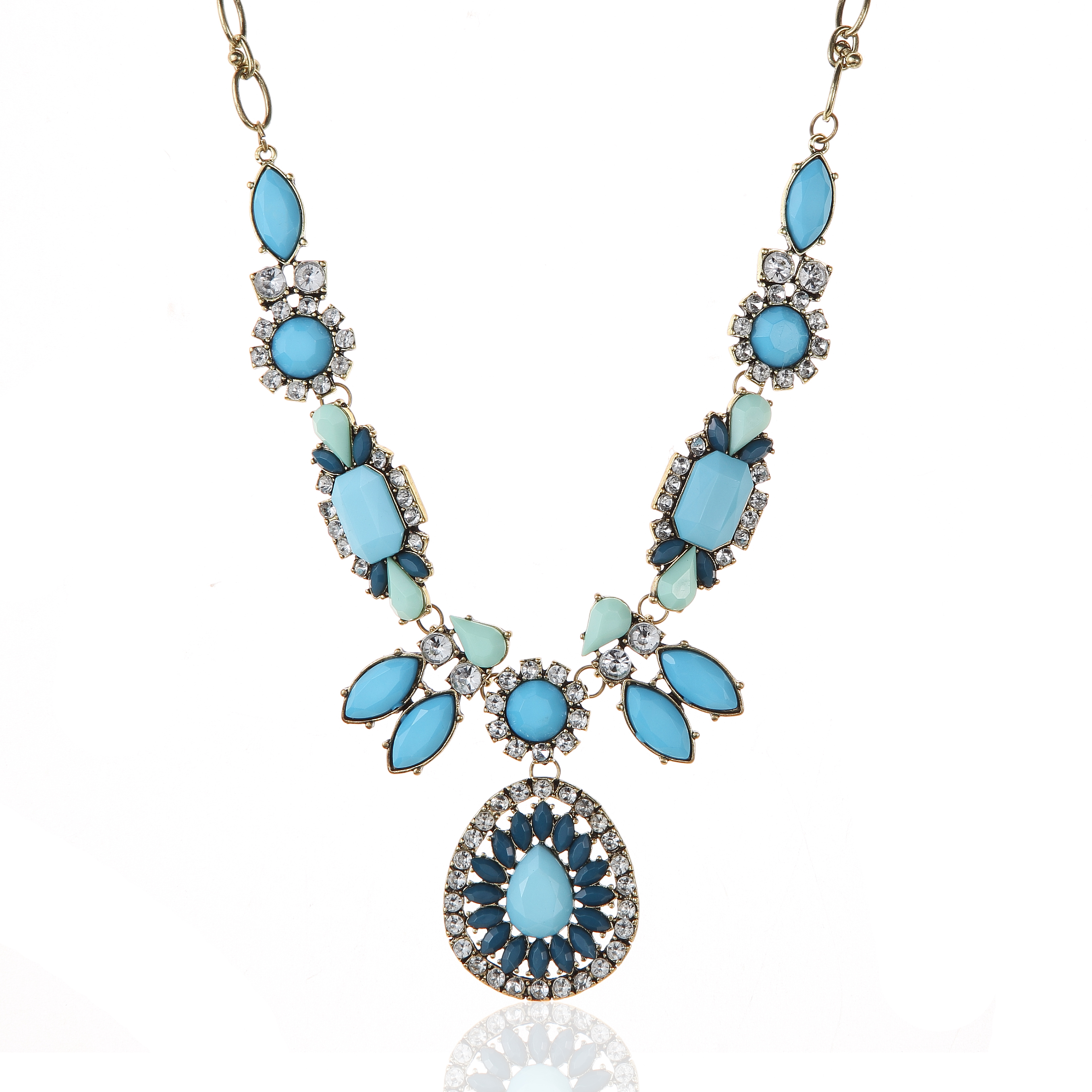 Aquatic Pearl Water Flower Necklace