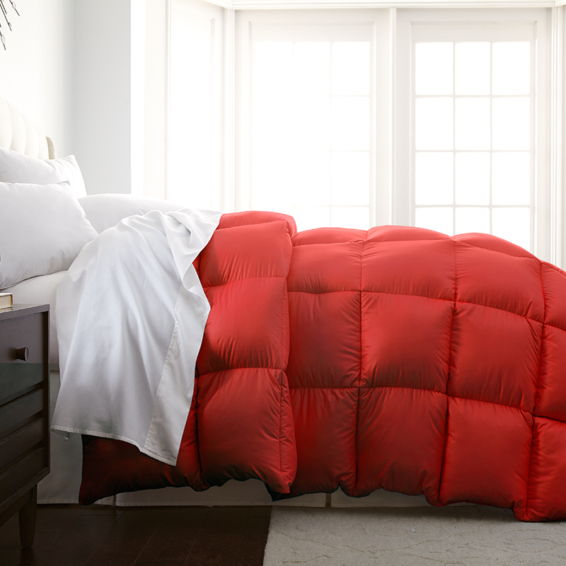 Hotel 5th Ave Milano Collection Down Alternative Comforter