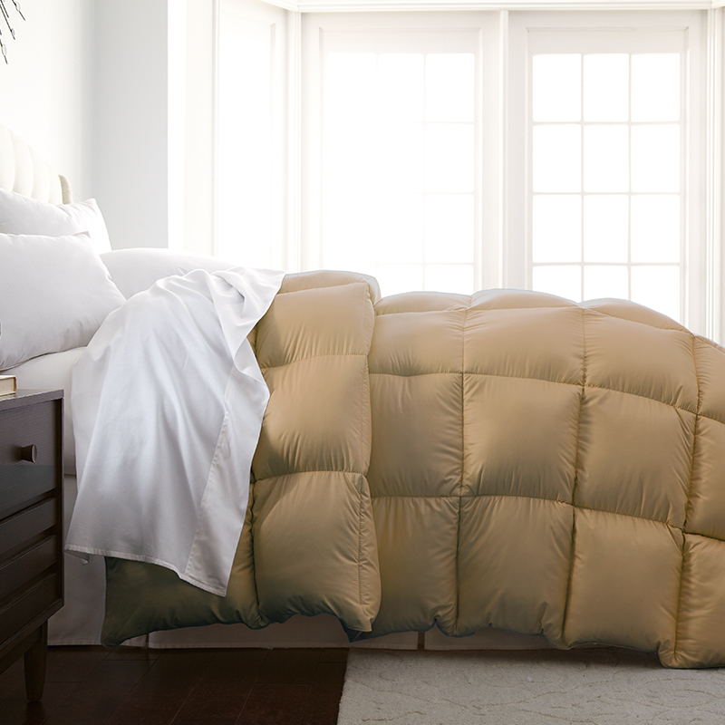 Hotel Collection Platinum: Hotel 5th Ave Milano Collection Down Alternative Comforter