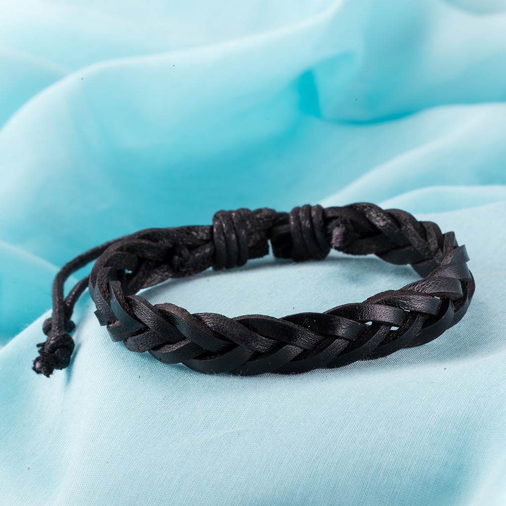Intertwined Sleek Midnight Black Classic Pull Bracelet