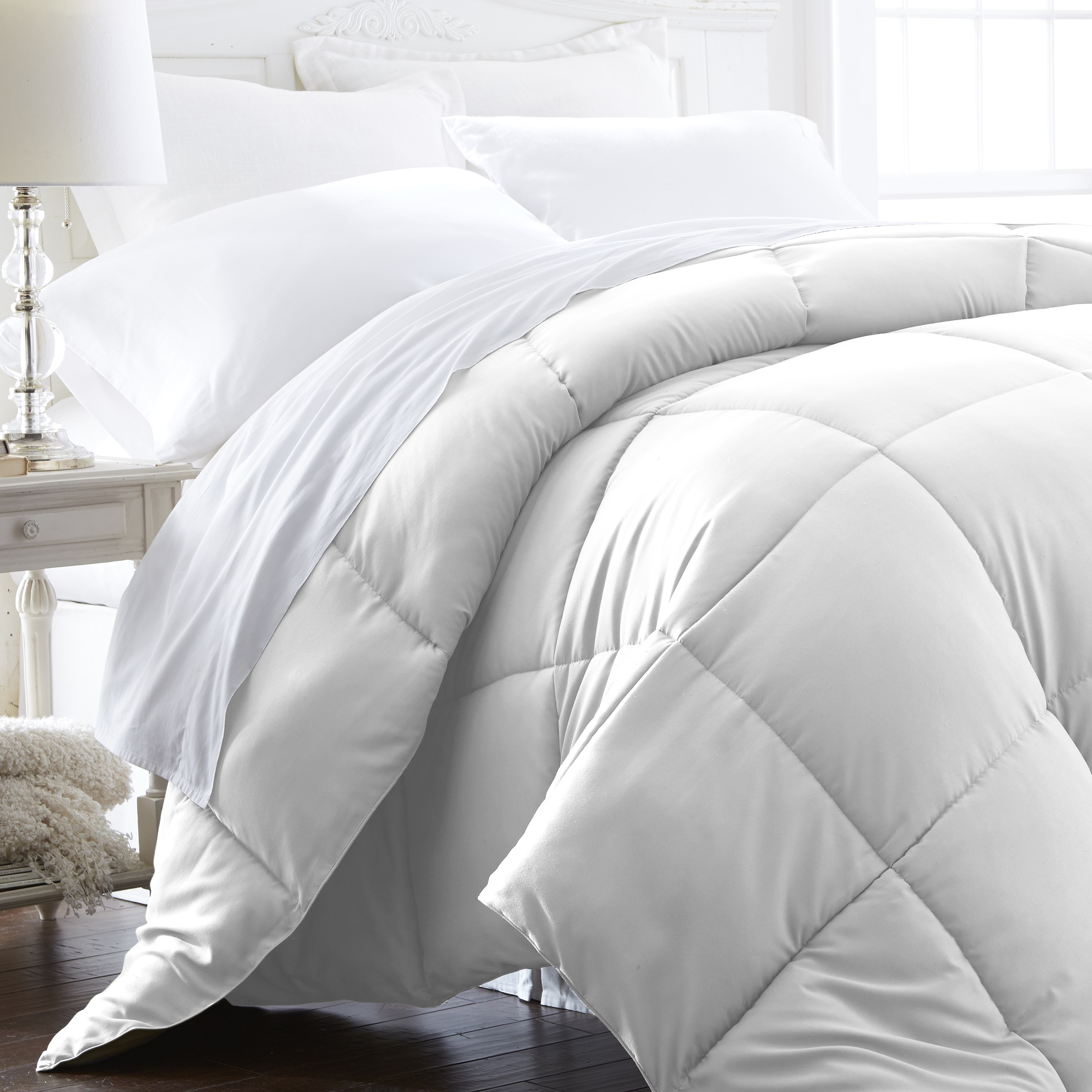 Becky Cameron Ultra-Plush Overfilled Luxury Comforter Twin