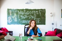 زيارة جلالة الملكة رانيا العبد الله الى مقر شركة تصميمي