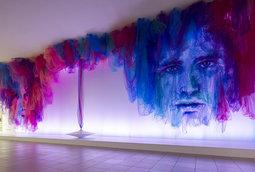 """بينجامين شاين يبتكر لوحات من أقمشة التول الشفافة في """"الرقصة"""""""