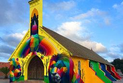 فنان يحول كنيسة مهجورة في المغرب إلى عمل فني زاهي بالألوان