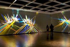أعمال فنية مضيئة نتيجة انكسار الضوء للفنان ستيفن ناب