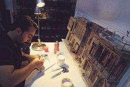 مصغرات فريدة لبغداد من يد الفنان العراقي عمار العزاوي