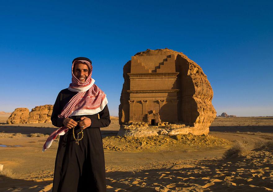مصور قام بزيارة المملكة العربية السعودية قبل أن يُسمح للسُياح بزيارة البلاد، إليكم ما حدث...