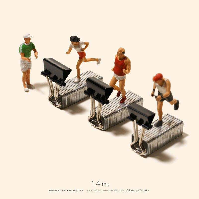 فنان يصنع مجسمات مصغرة يوميًا منذ عام 2011