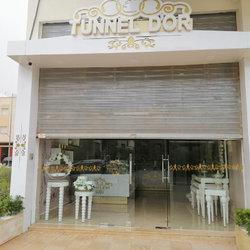 إنشاء و تصميم شعار و واجهة إعلانية متوهجة لمحل بيع الحلويات المغربية