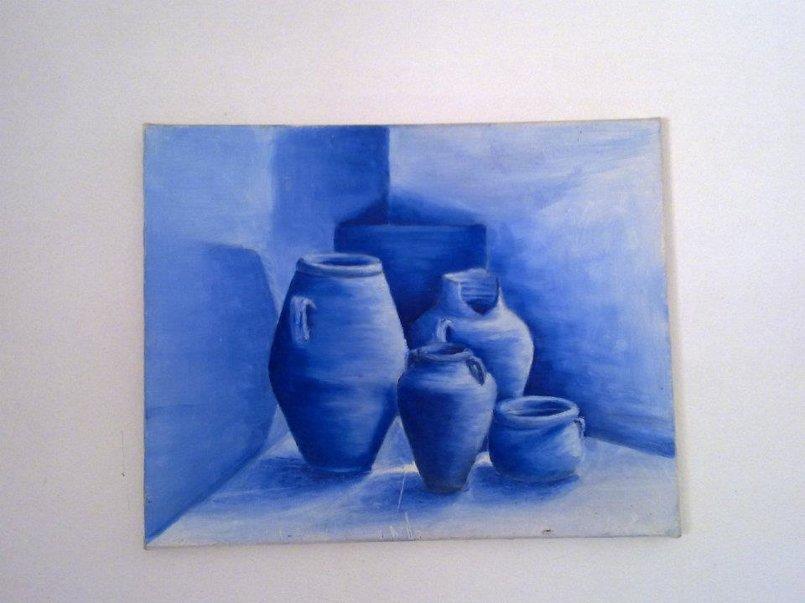 طبيعة صامتة - ألوان زيتية على قماش - الرسم بلون واحد (الأزرق كروم) ودرجاته - الحجم 40×60.