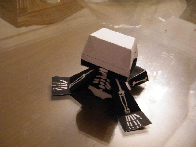 Skull boy paper toy