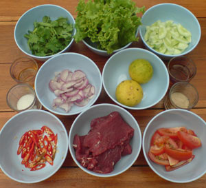 Spicy-Beef-Salad-Ingredients