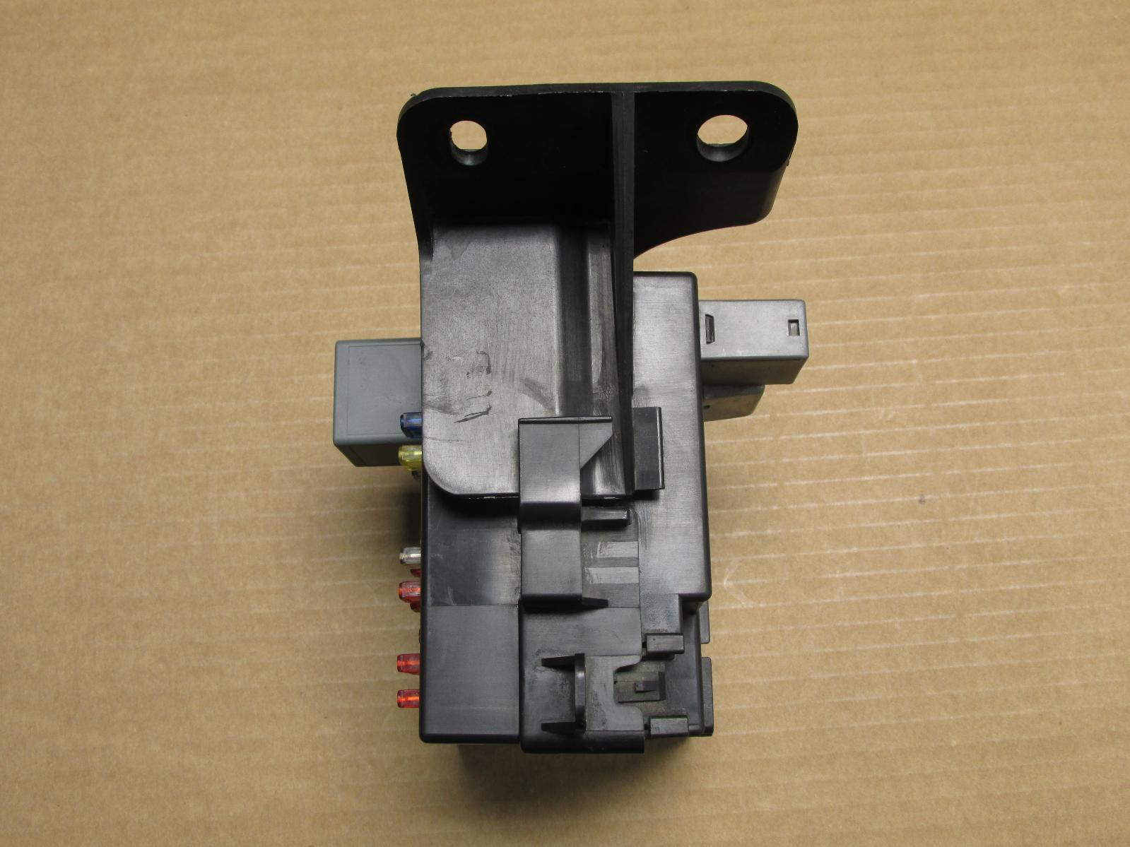 chevrolet impala fuse box on 2000 2001 2002 2003 2004 2005 chevy impala left side fuse ... 2008 chevrolet impala fuse box diagram
