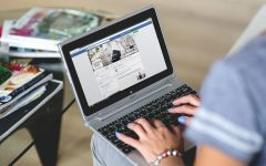 How to customize Facebook newsfeed header