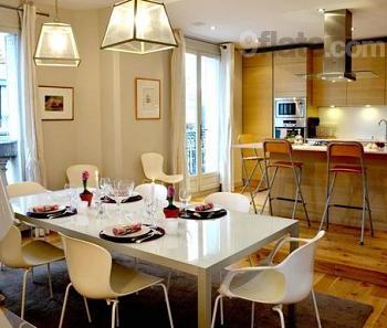 Parisian apartment listing on 9flats