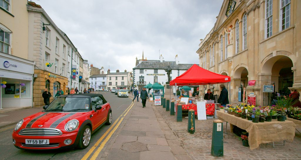 Market at Monmouth by the side of shire hall