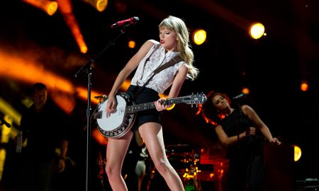 taylor Swift performing in a concert