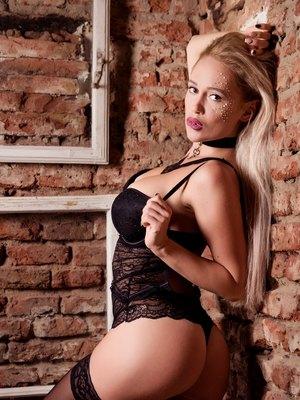 Vanessa DeVille