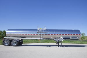 5000 Gal General Purpose Tank Trailer Side Sans Tractor