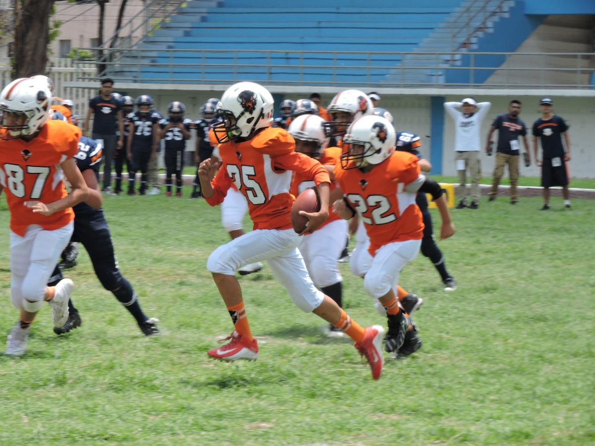División de honores en el Deportivo Los Hermanos Galeana