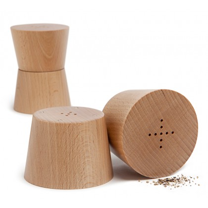 Teroforma-Salt-and-pepper-shakers