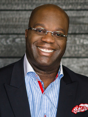 Simon T. Bailey, Customer Service NSB