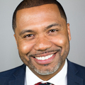 Medium manny scott headshot
